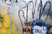 Esercizio di auto osservazione: proviamo a capire come ci poniamo verso noi stessi e verso gli altri