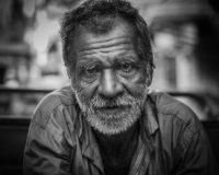Come fare quando l'anziano rifiuta la badante?